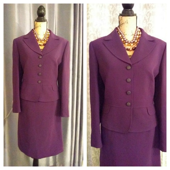 Tahari Arthur S. Levine Jackets & Blazers - Tahari Arthur S. Levine 2pc suit sz 14P Plum